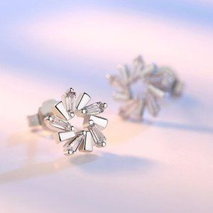 Jewelry - NEW 925 Sterling Silver Diamond Flower Earrings